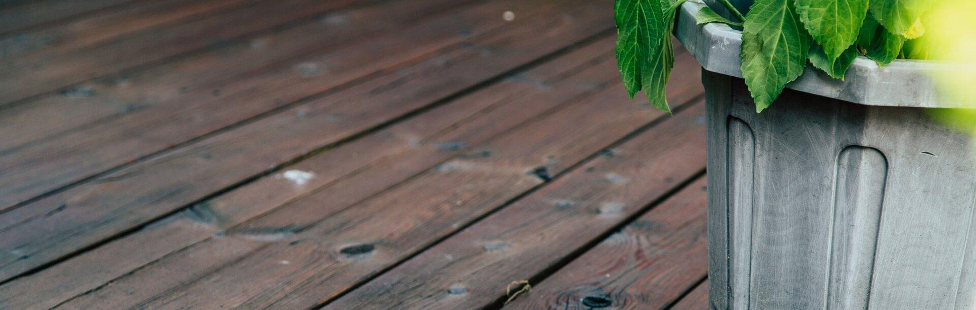 Pavimenti In Legno Per Terrazzi cura e rinnovo dei terrazzi in legno con adler bodenöl