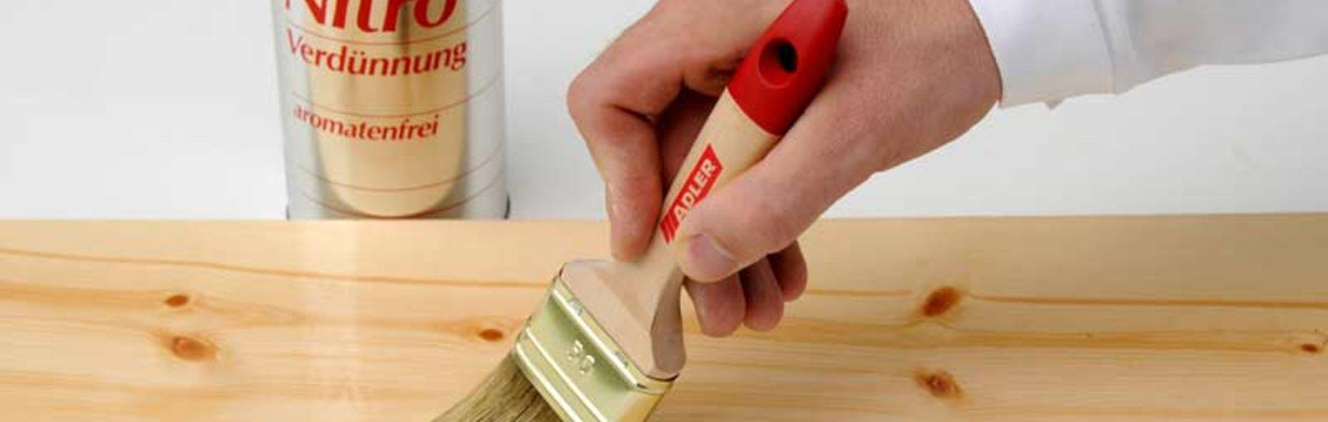 Come Scartavetrare Il Legno rimuovere la resina con i solventi - adler vernici